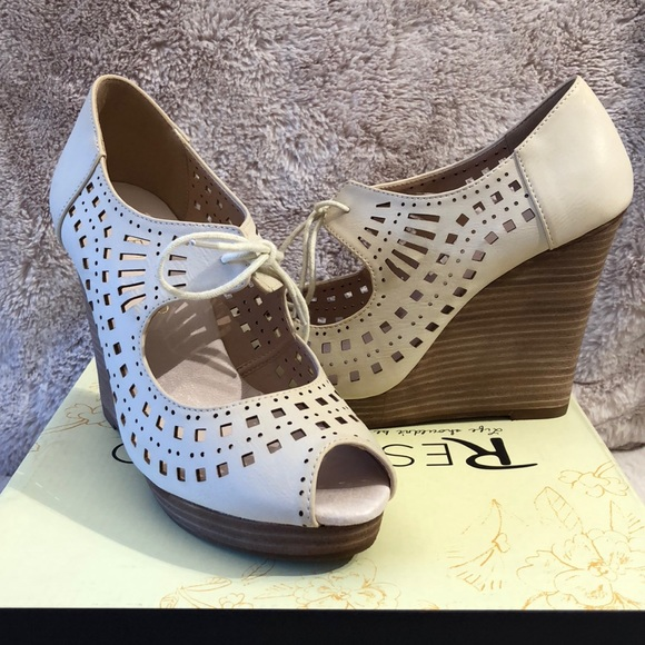 Hermès Laser Cut Peep-Toe Wedges free shipping geniue stockist outlet explore collections sale online 55YuUJlg3